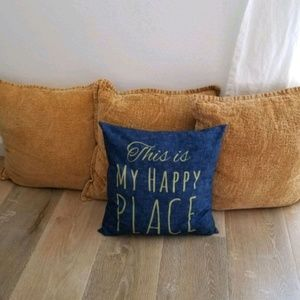 Bundle of Decorative Pillows